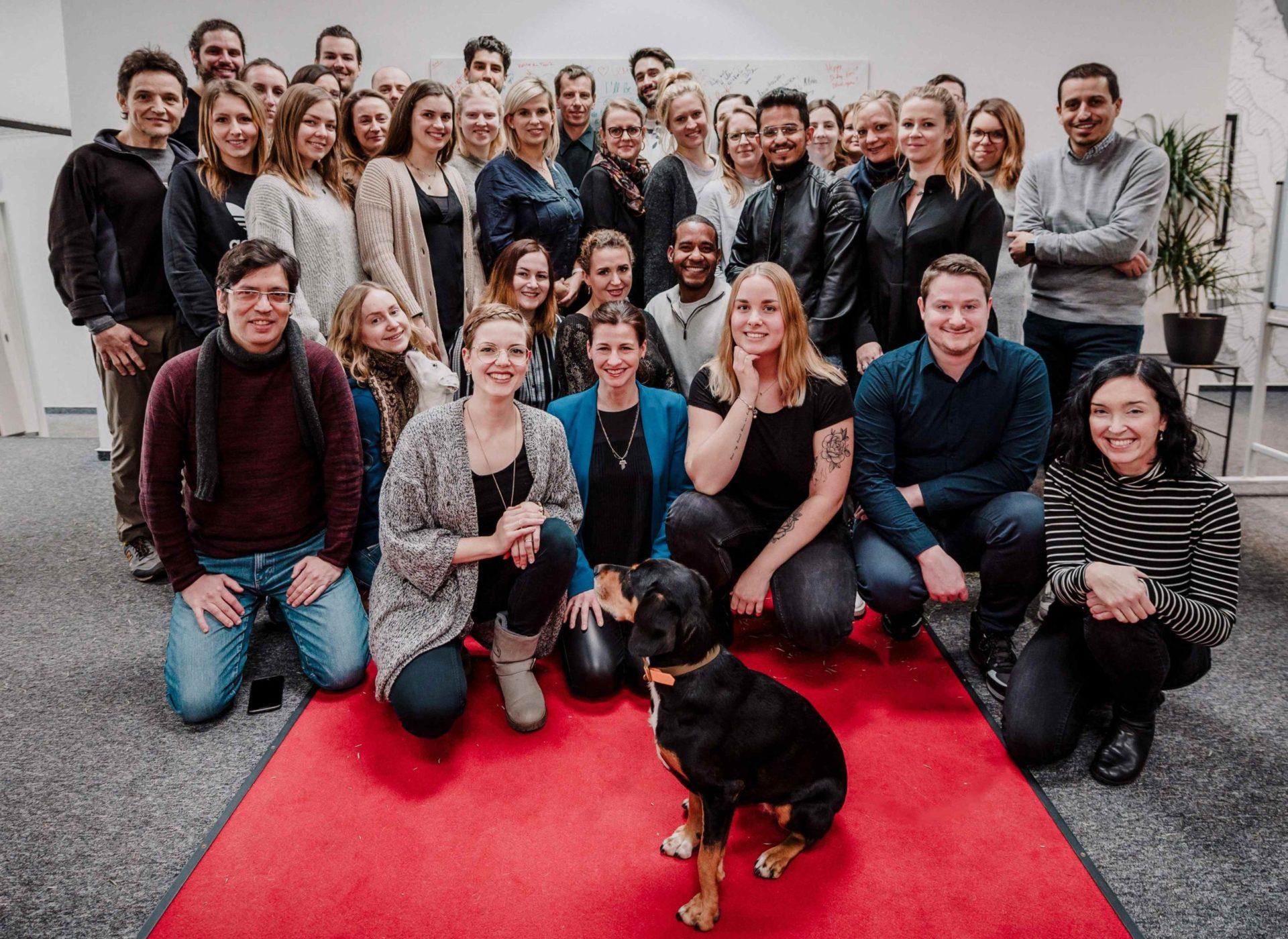 Das vielfältige und engagierte Team von ucm.agency setzt auf Zusammenhalt und Menschennähe