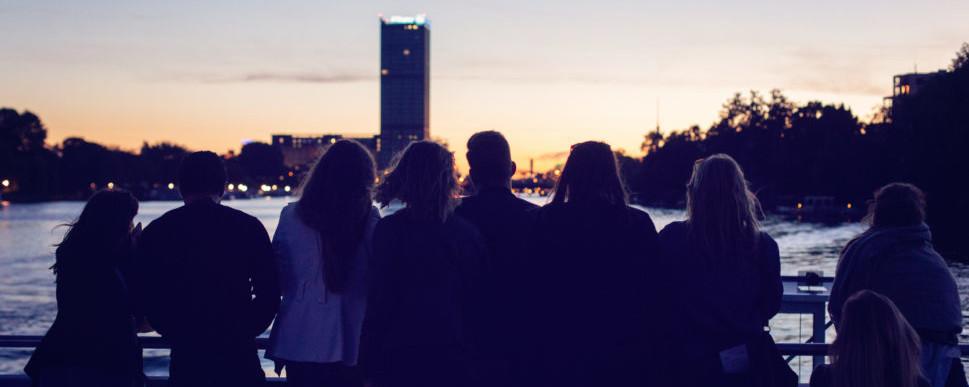 ucm.agency-Team ist eine Familie, für die Zusammenhalt und gute Zusammenarbeit esenziell sind